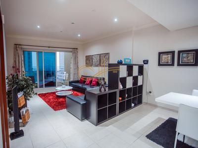 Huge lavish 1BR in Marina Walk, Dubai Marina for Monthly rentals suitable for 4 persons comfortably