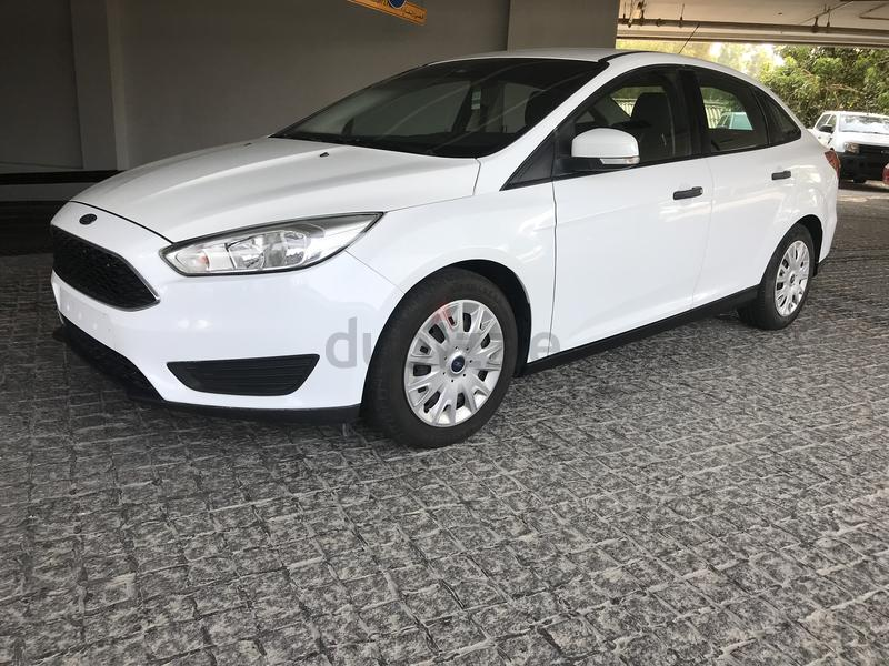 Very clean Focus ecoboost, warranty and service contract full service  history