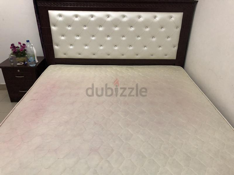 King size bed (2 1m x 1 8m) in brand new condition