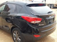 Hyundai Tucson 2015 Hyundai tucson 2015 limited black accident fr...