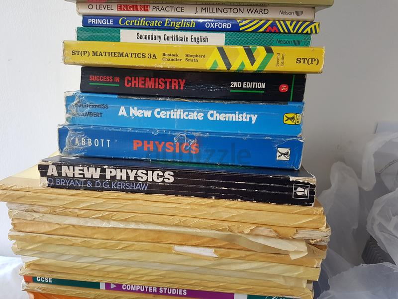 GCE O Level Maths, Physics, Computer, Biology and Chemistry text books and  Past Papers for Sale