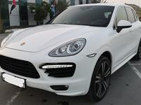 Porsche Cayenne 2014 PORSCHE CAYENNE TURBO GCC IN MINT CONDITION