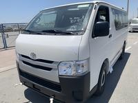 Toyota Hiace 2019 Toyota Haice Diesel STD Roof 15 seat.