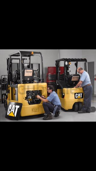 Forklift repair and service