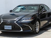Lexus ES-Series 2019 19 ES Sedan P 3.5L AT Platinum Ref#664