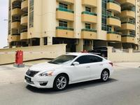 Nissan Altima 2013 A well kept Nissan altima 2.5 S 2013 white GC...