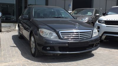 مرسيدس بنز الفئة-C 2010 MERCEDES BENS C180 BLUE EFFICIENT GCC 4 CYLIN...