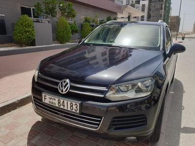 Volkswagen Touareg 2011 First hand top condition agency maintained To...