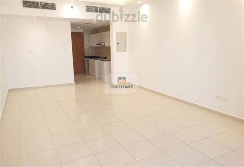 1 - MASSIVELY MADE STUDIO   READY TO MOVE-FULLY UPGRADED HOME    UNFURNISHED AND FITTED   :حدائق الإمارات 1 صورة في عقار للبيع