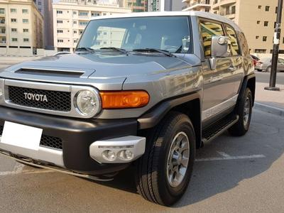 Toyota FJ Cruiser 2012 2012 FJ CRUISER FULL OPTION LADY DRIVEN AL FU...