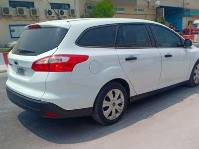 Ford Focus 2013 Station wagon super clean