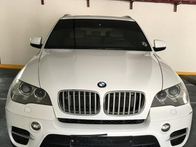 BMW X5 2011 (115,000km only) BMW X5 2011, GCC, XDrive50i,...