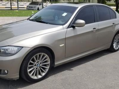 BMW 3-Series 2011 Urjent 320i model 2011 GCC very clean