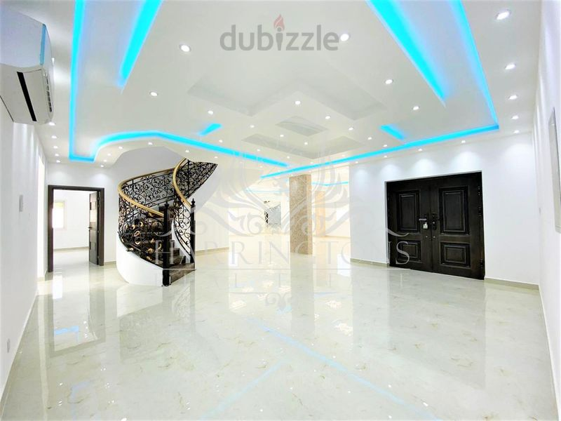 Property for Sale photos in Al Mamzar: Hot Deal | Corner Villa for Sale in Al Mamzar - 1