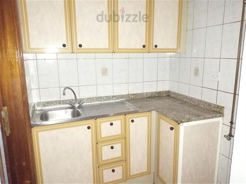1 - ONE MONTH FREE!!HUGE STUDIO FLAT WITH CLOSE KITCHEN ONLY 12K NEAR FAMILY PARK :المحطة صورة في عقار للإيجار