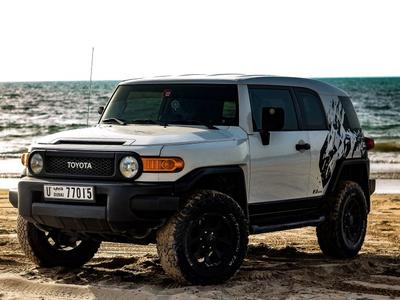 تويوتا اف جي كروزر 2008 Toyota FJ Cruiser 2008 model for urgent sale