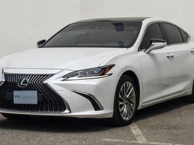 Lexus ES-Series 2019 19 ES Sedan P 3.5L AT Platinum Ref #0719