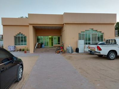 Property for Rent photos in Al Barsha 3: Rooms - 1