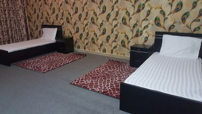 1 - FULLY FURNISHED BED SPACE MAID ROOM AND ROOM FOR EXECUTIVE MALE BACHELORS IN ABU DHABI CITY :منطقة النادي السياحي صورة في عقار للإيجار