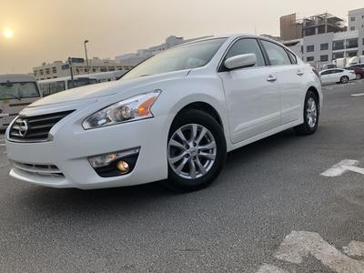 Nissan Altima 2014 Nissan Altima 2014 White (S) With Special Rim...