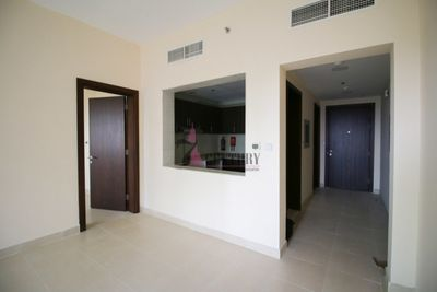 Property for Sale photos in Dubai Sports City: Partial Golf Course view| Mid Floor 1 BR Apt - 1