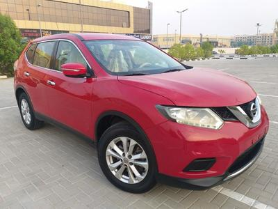 Nissan X-Trail 2015 Nissan X Trail 2.5 gcc 2015 v4 mid options fr...