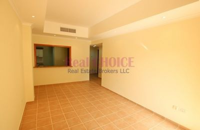 1 - Cozy 1bedroom apartment with 12chqs payment and no commission :شروق صورة في عقار للإيجار